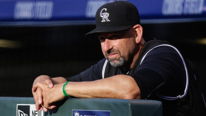 The Colorado Rockies shouldn't fire manager Walt Weiss this season, columnist Mark Knudson says.