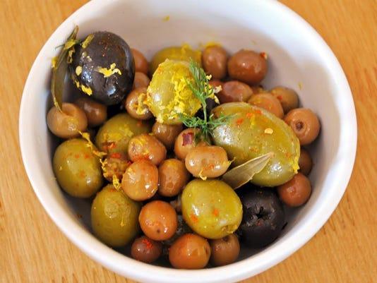 Parador_Spanish olives.jpg