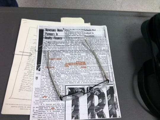 Notes and articles that Fred Morales prepared for a recent history lecture.