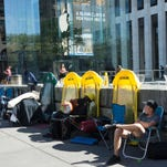 Lines, yes, but crowd less amped for iPhone 7 launch