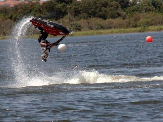 NDN0923-Watercross5