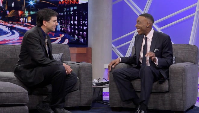 Jefferson Graham interviews Arsenio Hall on the set of his talk show for Talking Your Tech.