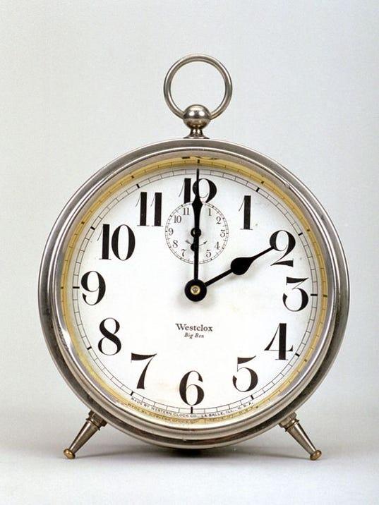 635932837841580337-clock.jpg
