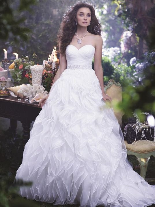 636214693132609845-Bridal-Beginnings.jpg