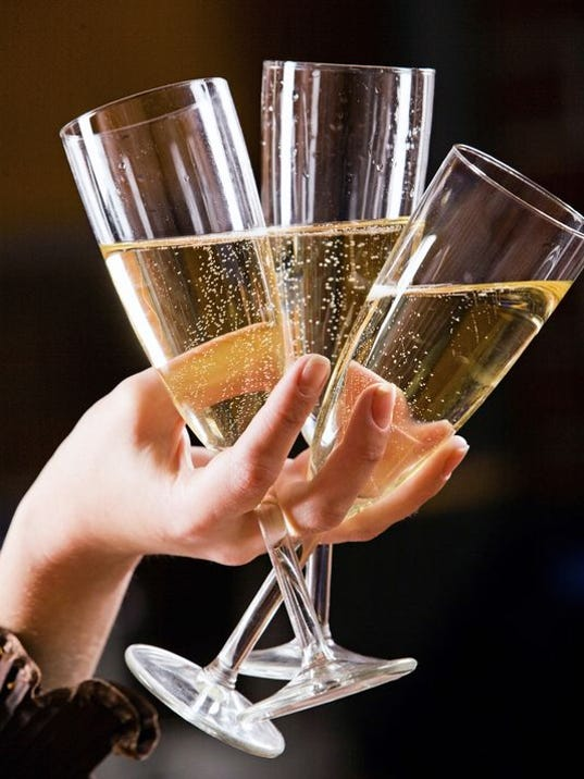 champagneflutes.jpg