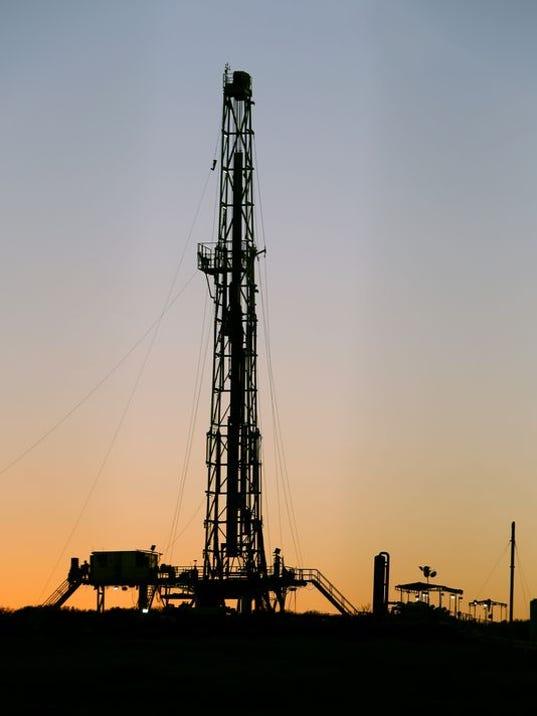 Oil! New Texas boom spawns riches headaches  USA TODAY