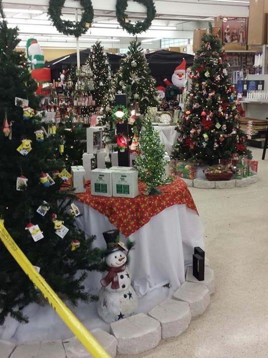 Walmart Decorations For Living Room: Christmas Decorations In Stores? Yes, Happening Now