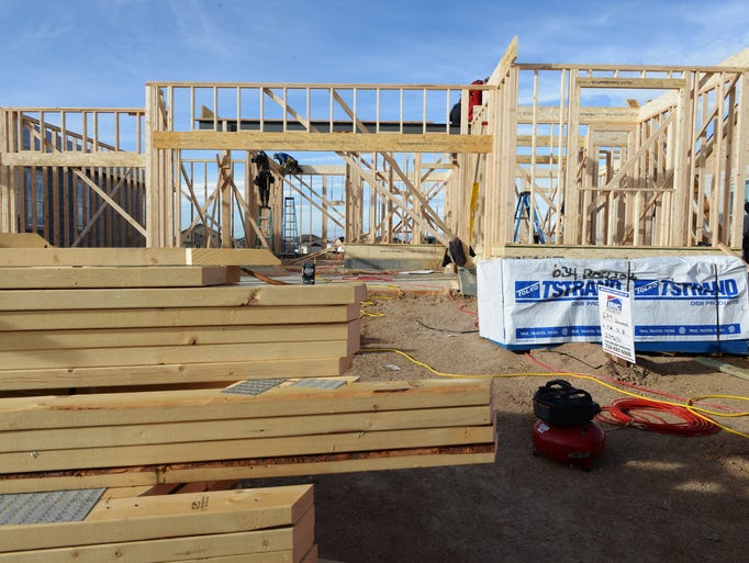 New home construction continues in the Winter Farm