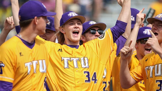 Nick Osborne homered twice and drove in four runs to lead Tennessee Tech to a 7-6 non-conference victory over Tennessee Wednesday night.