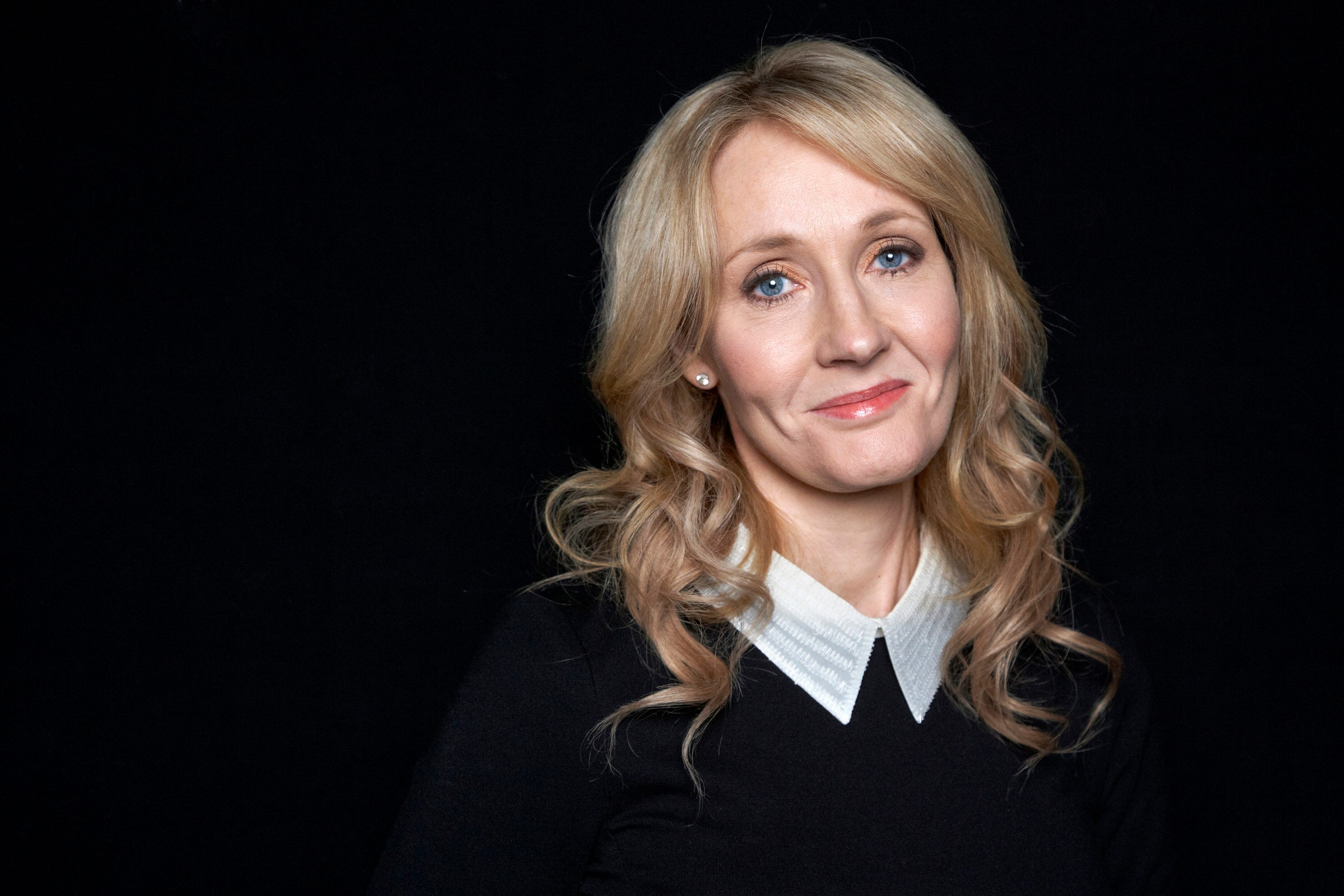 Harry Potter's Birth Makes JK Rowling Cry naked (77 image)