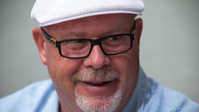 Wearing a white hat and a wide smile, Cardinals coach Bruce Arians enlightened and entertained reporters during a media session Wednesday morning.