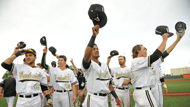 Vanderbilt players wave to fans after defeating Illinois 4-2 in Game 2 of their NCAA Super Regional series on Monday.