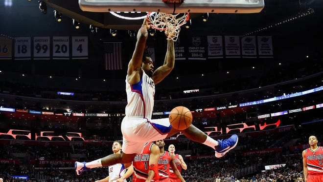 Nov 9, 2016; Los Angeles, CA, USA; Los Angeles Clippers center DeAndre Jordan (6) dunks the ball against the Portland Trail Blazers during the second half of a NBA basketball game at Staples Center. Mandatory Credit: Kirby Lee-USA TODAY Sports