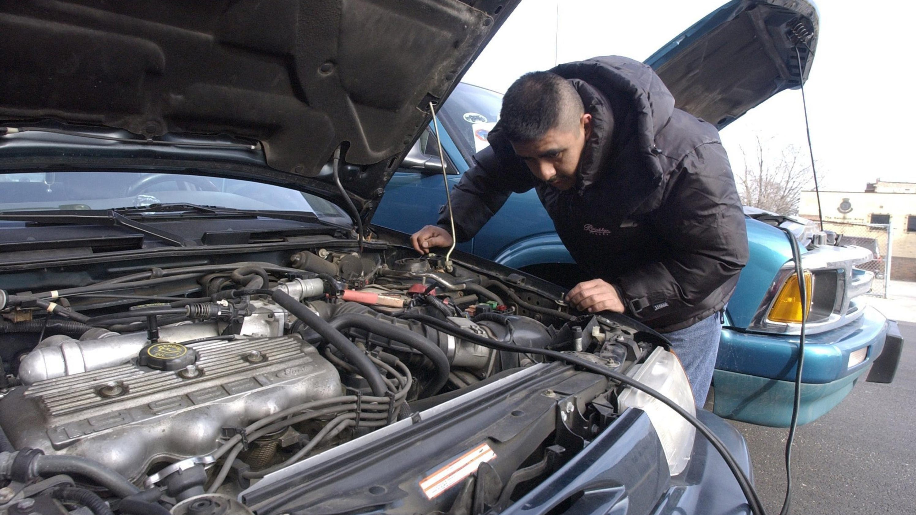 8 reasons why your car won\'t start