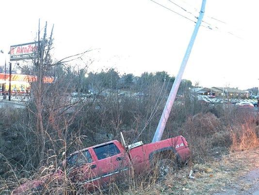 636174243514231595-auto-zone-crash.jpg