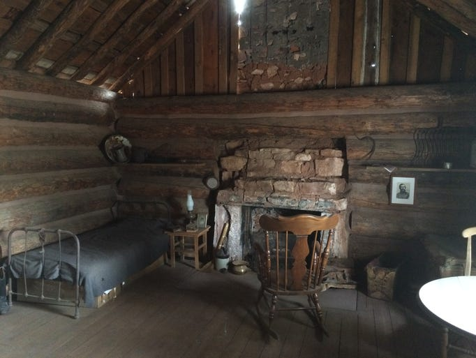 The simple interior of the General Crook cabin.