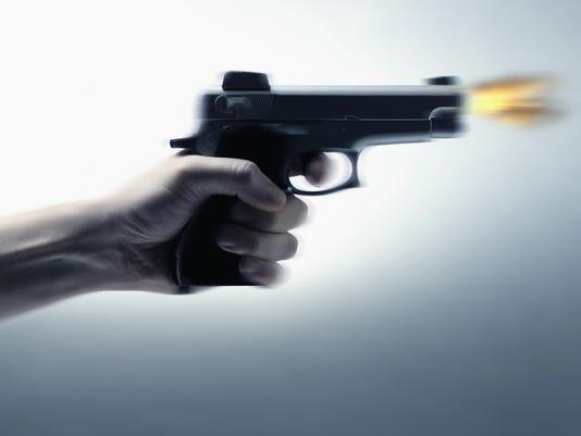 635932257762475337-gun-crime.JPG