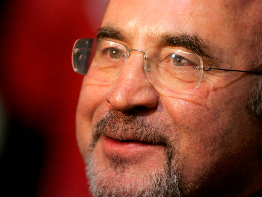 """British actor Bob Hoskins, whose varied career ranged from """"Mona Lisa"""" to """"Who Framed Roger Rabbit?"""" has died at age 71."""