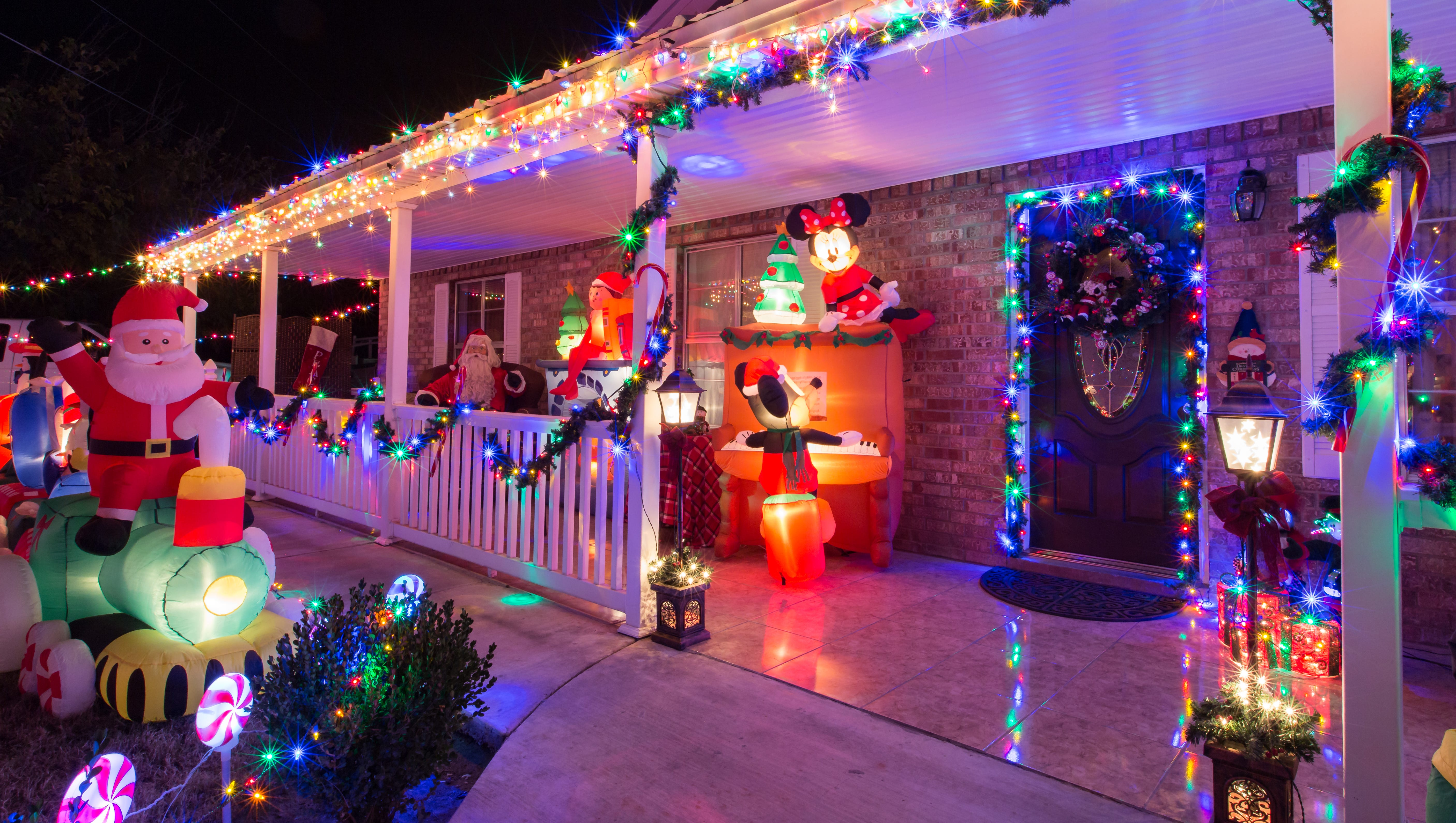 Your Guide To Holiday Light Displays In Las Cruces