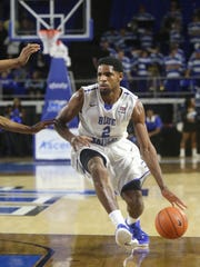 MTSU's Perrin Bufford (2) brings the ball down the