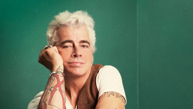 Honky-tonk singer-songwriter Dale Watson will perform his unique style of Texas country music at 8 p.m. Wednesday at the State Line restaurant, 1222 Sunland Park.