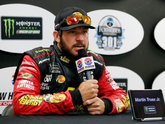 NASCAR_New_Hampshire_Auto_Racing_48061.jpg