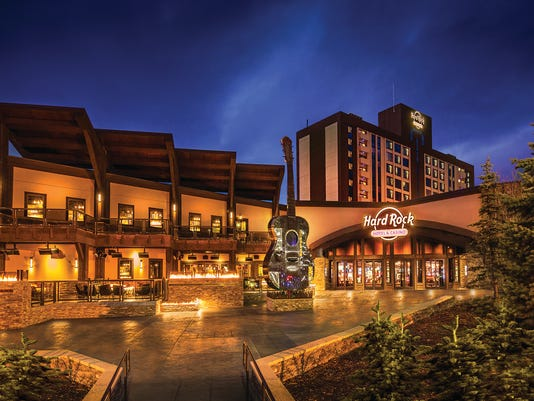 635666870434486409-Hard-Rock-Hotel-Casino-Lake-Tahoe-exterior-at-the-Fire-Break-entrance-featuring-the-guitar-sculpture-Photo-Credit-Jeff-Dow-Photography