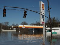 Good news! Evening commuters regain interstate exit as Ohio River flood recedes