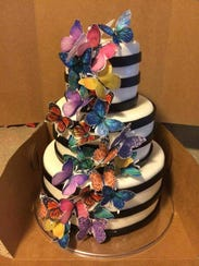 A cake by Shannon Tinsley, SweetNanaCakes.