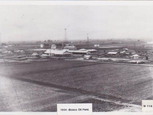 Bosco Oil Field in 1934.jpg