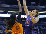 Brittney Griner continues hot streak, Mercury beat Sun