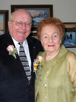 Rollie & Janette Weis celebrate their 71st wedding anniversary.