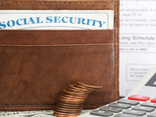 636309607369814907-social-security-wallet.jpg