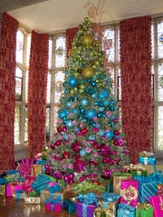 Edsel and Eleanor ford House tree