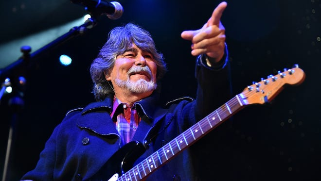 Randy Owen of the country supergroup Alabama perofrms.  (Photo by Mike Coppola/Getty Images for Blackbird Productions)
