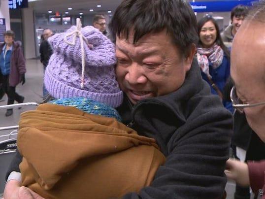 1388380081000-Hmong-family-reunited (1)