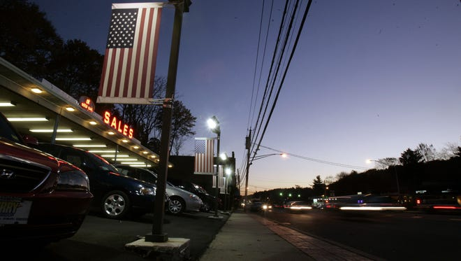 Cars travel on Central Ave.in Greenburgh during the evening rush hour Nov. 2, 2006.