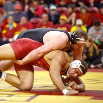 Cy-Hawk wrestling: Hawkeyes win 14th straight dual over Iowa State