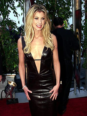Faith Hill also had a lot of sex appeal in her black dress.