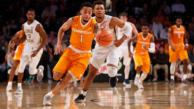 Vols guard Lamonte Turner dribbles against Georgia Tech on Sunday.