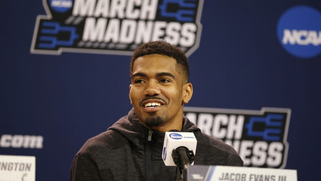 Jacob Evans III is leaving the Cincinnati Bearcats after three seasons, after declaring for the NBA Draft on Sunday.
