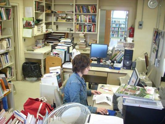 TS-Library-120307-493