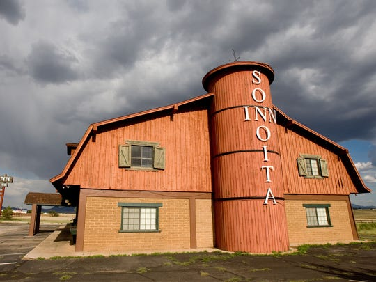 Sonoita Inn features large and comfortable rooms that