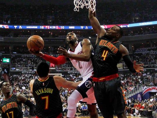 Washington Wizards guard John Wall (2) shoots the ball