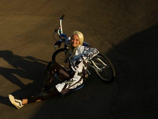2 BMXgirl.jpg