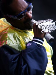 Sun 3 May 09 - Snoop Dogg performs for the crowd durring