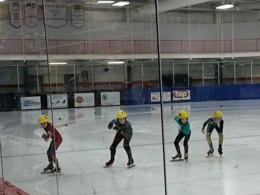636245024453041658-Speed-skaters-CheeseCup-2017-5.jpg
