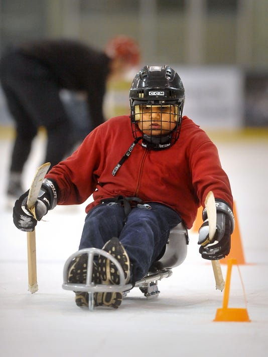 -120111-Eagle Mount Sled Hockey-I.jpg_20111201.jpg