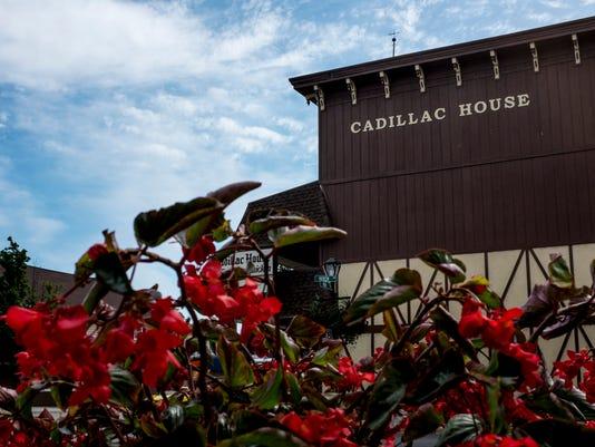 PTH0923 CADILLAC HOUSE