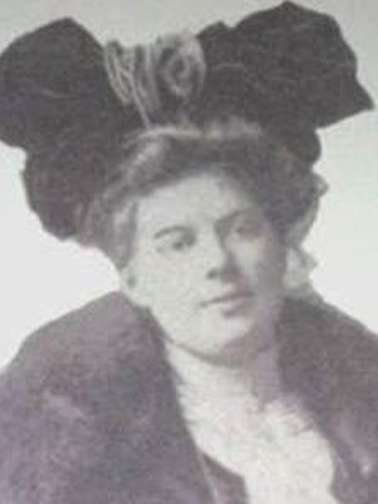 Louise du Pont Crowninshield.PNG